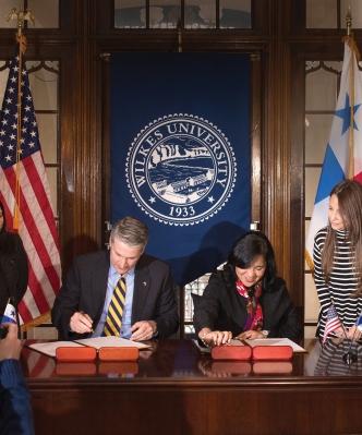 Panama_Signing_Docs